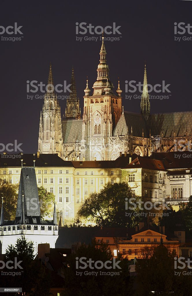 Hradcany Castle by night royalty free stockfoto