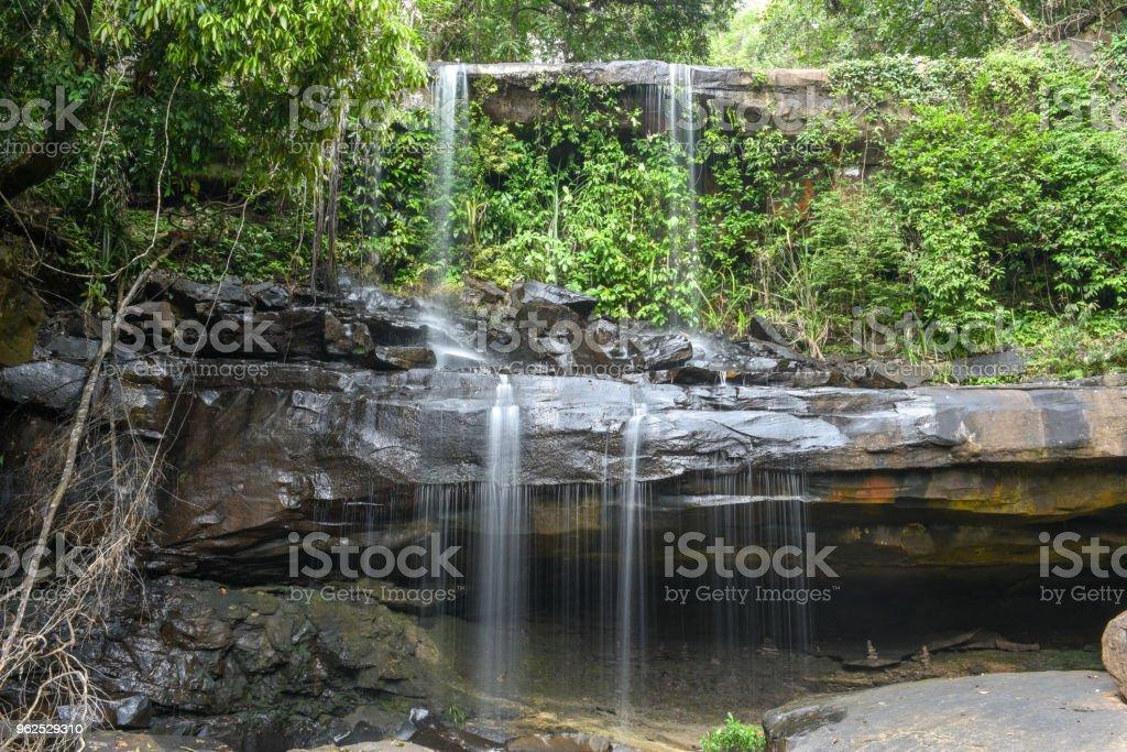 Cachoeira de Huang Nam Keaw na ilha de Koh Kood, Tailândia - Foto de stock de Beleza royalty-free
