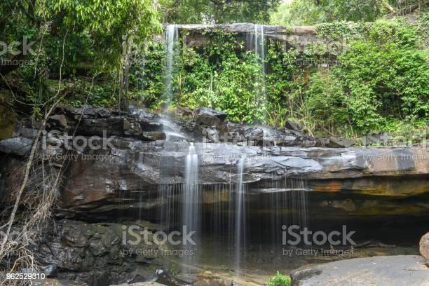 Foto de Cachoeira De Huang Nam Keaw Na Ilha De Koh Kood Tailândia e mais fotos de stock de Beleza