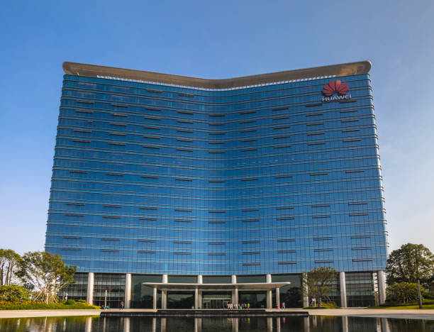 huawei base main building in dongguan songshan lake district - huawei foto e immagini stock