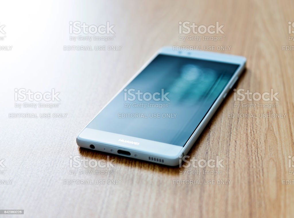 Huawei P9 clone with blank screen on desk