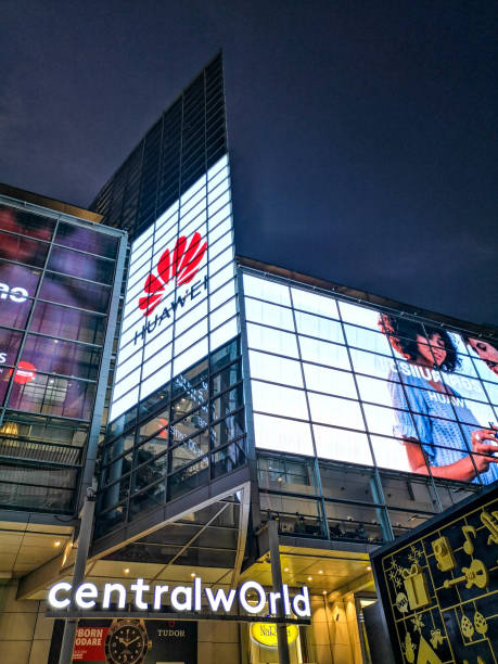 Huawei Thailand ,5 DEc 2018.Huawei advertising on a large LCD screen on building of CentralWorld the Largest Lifestyle Shopping Destination in Bangkok. huawei stock pictures, royalty-free photos & images