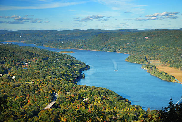 Hudson River mountain peak view in Autumn Autumn Mountain peak view panorama with colorful foliage in forest and Hudson River. hudson river stock pictures, royalty-free photos & images
