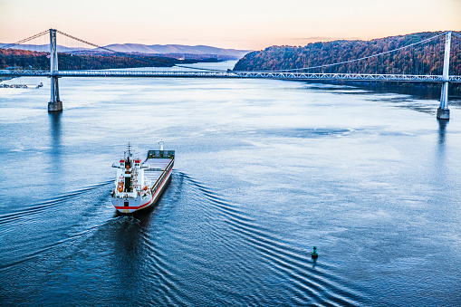 483418977 istock photo Huge cargo ship at the Hudson River 472218663