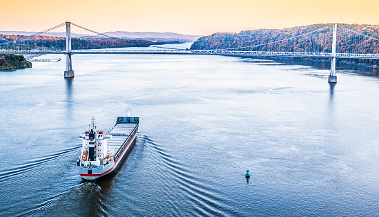 483418977 istock photo Huge cargo ship at the Hudson River 472218675