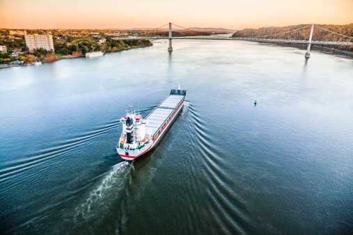 483418977 istock photo Huge cargo ship at the Hudson River 481106995
