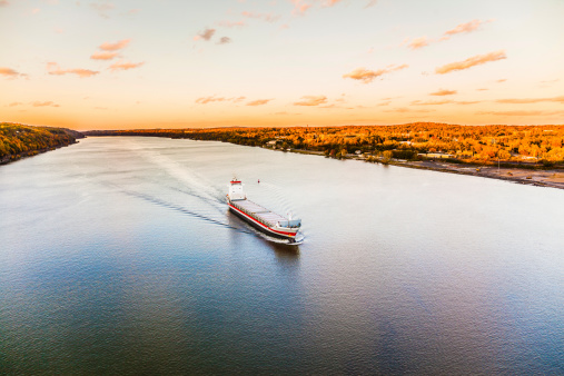 483418977 istock photo Huge cargo ship at the Hudson River 497256593