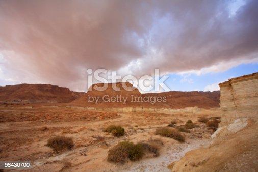 Enorme Cloud Primavera Sul Mar Morto - Fotografie stock e altre immagini di Ambientazione esterna
