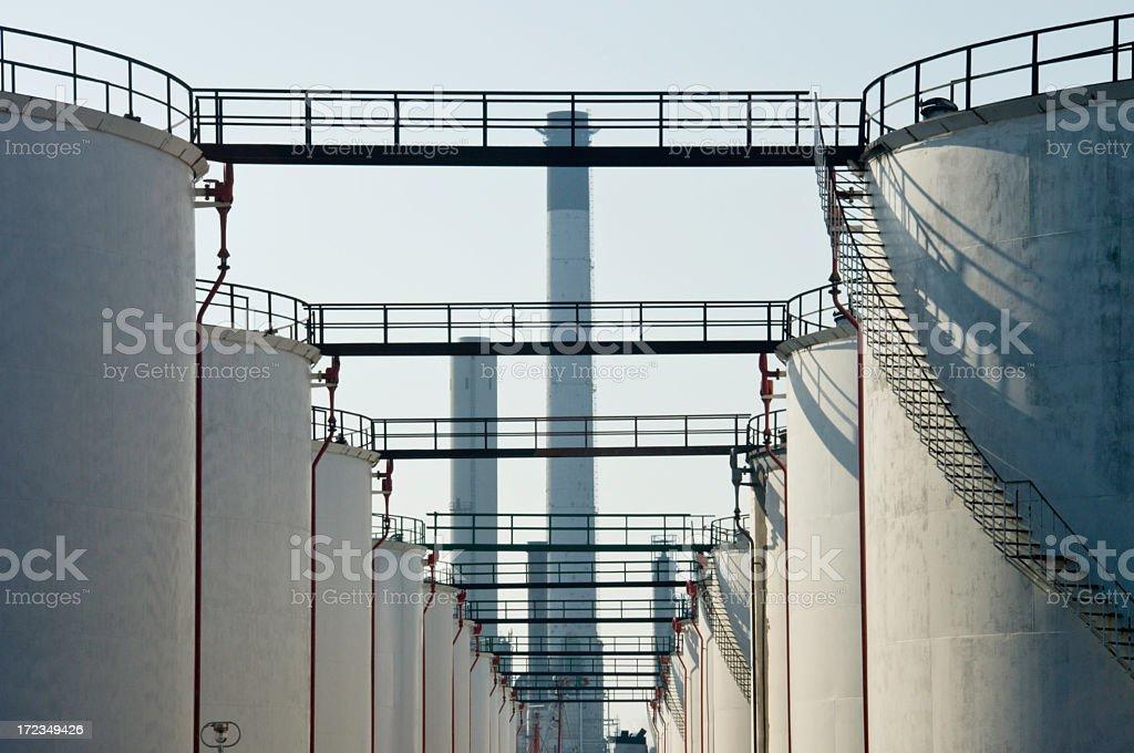 Depósitos de aceite foto de stock libre de derechos
