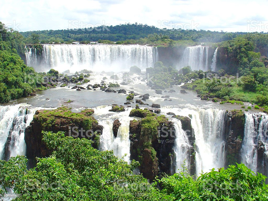 Riesige Wasserfälle, zwischen Brasilien und Argentinien – Foto