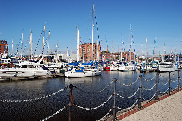 hull marina - hull stock pictures, royalty-free photos & images
