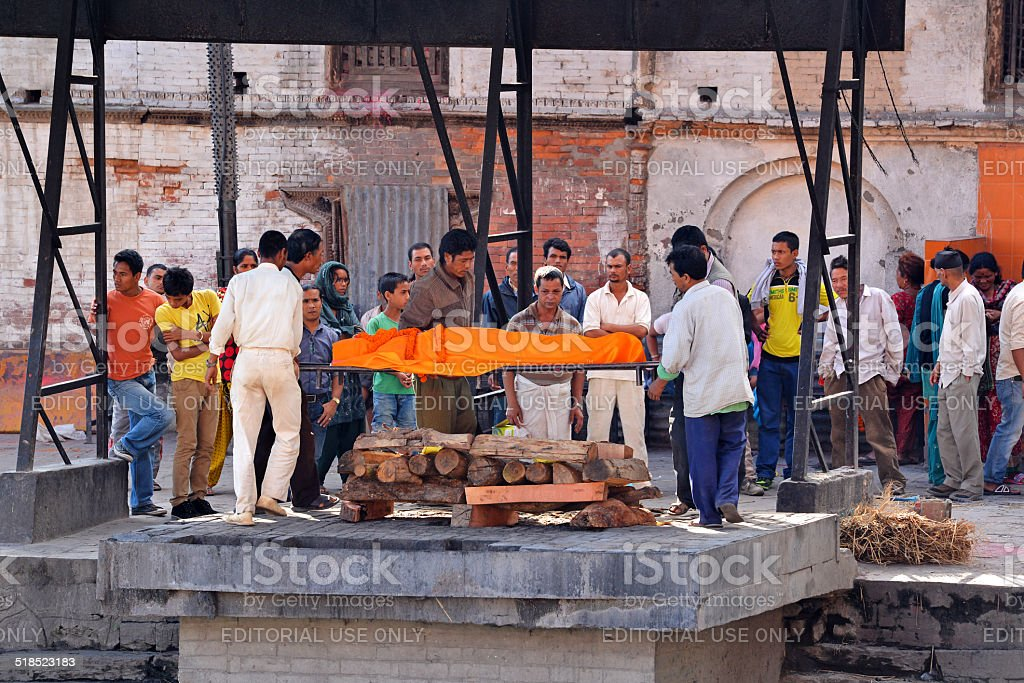 Human cremation along the holy Bagmati River at Pashupatinath, N stock photo