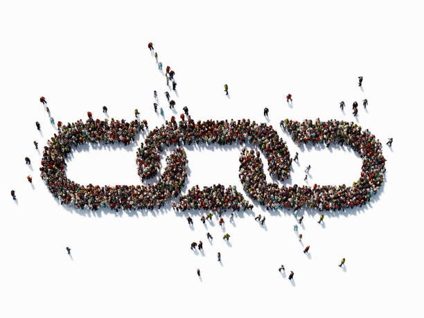 human crowd forming a chain symbol: bonding and social media concept - forza foto e immagini stock