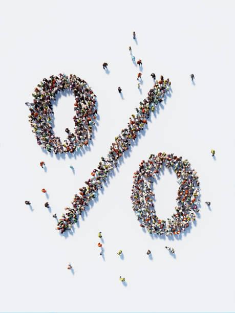 Multidão humano formando um símbolo de porcentagem: Social Media e conceito de Crowdfunding - foto de acervo