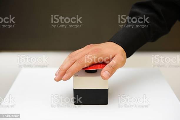 Human hand on emergency alarm picture id174924802?b=1&k=6&m=174924802&s=612x612&h=ywu7b7eyxedfa7hnqtltjgdippqziqf7mabglv dcsm=