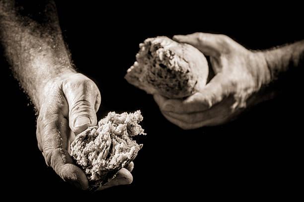Menschliche hand im Zimmer speisen – Foto
