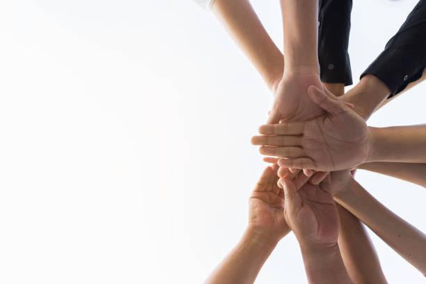 Menschliche Hände waren eine Zusammenarbeit Konzept der Teamarbeit Geschäftsleute Vertrauen Gruppe pf – Foto