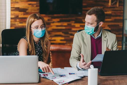 Human Resources Recruiting New Employees Covid19 Pandemic - Fotografie stock e altre immagini di Adulto