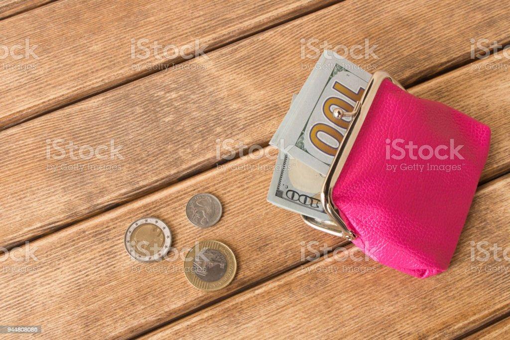 magasiner pour les plus récents comment acheter meilleure vente Photo libre de droit de Un Billet De Cent Dollars Dans Mon ...
