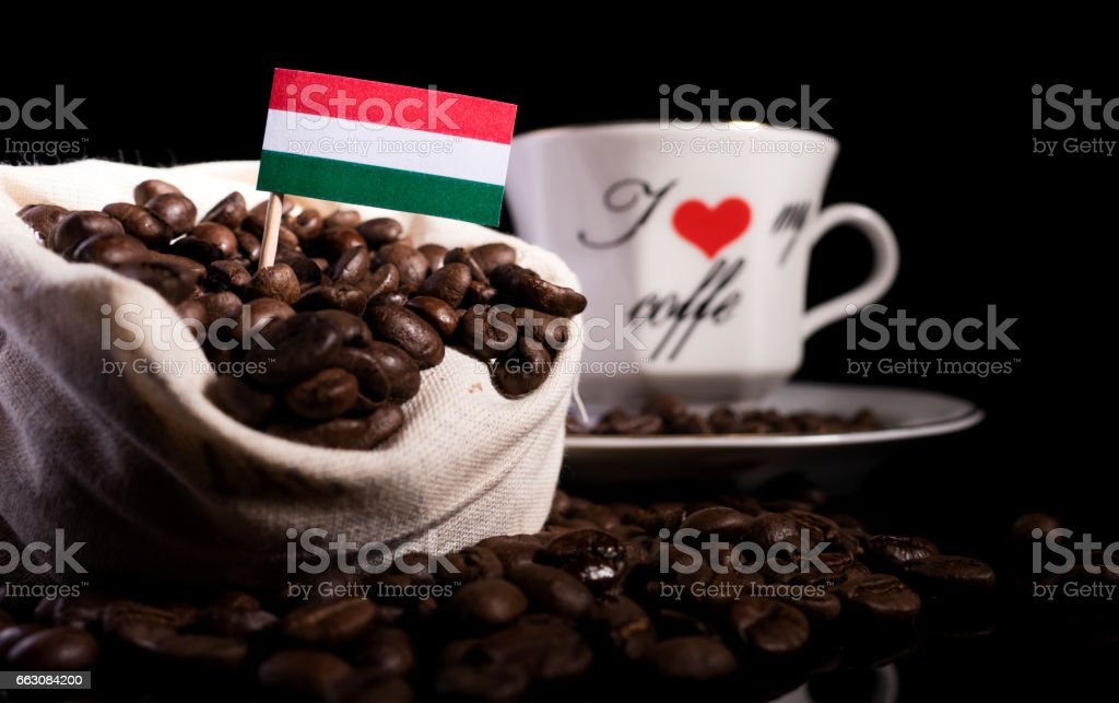 Más En Una Y Sobre Fondo Aislado Stock De Grano Móvil Húngara Foto General Café Banco Negro Imágenes Bolsa Actividad Bandera odBerxWC