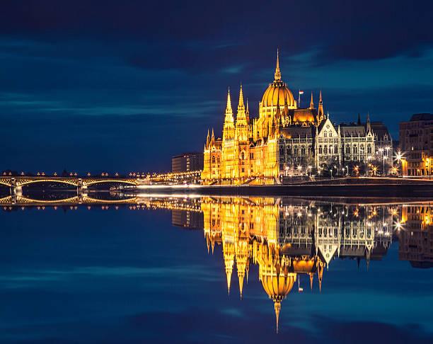ungarische parlament - ungarn stock-fotos und bilder