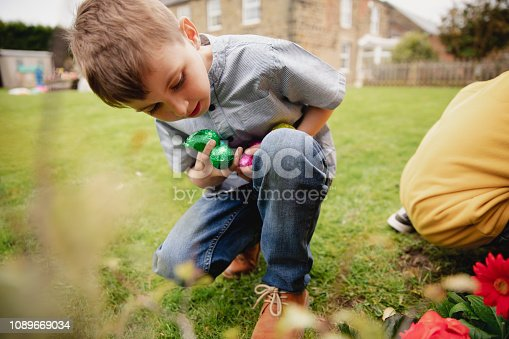 istock Hunting for Easter Eggs 1089669034