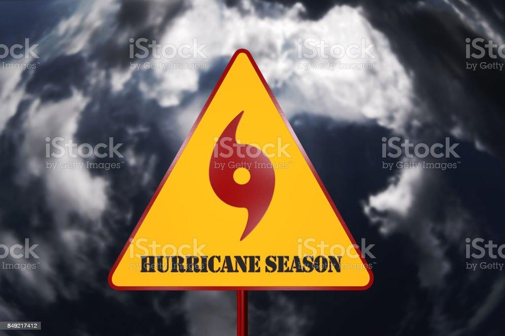 Sinal de perigo do furacão e tempestade no plano de fundo processamento 3D - foto de acervo