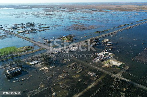 El huracán Delta causa daños en la costa del Golfo de Luisiana