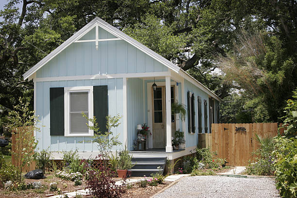 hurricane katrina cottage - small stock pictures, royalty-free photos & images