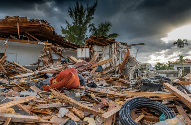 Hurricane season House destroyed by the passage of a hurricane in Florida collapsing stock pictures, royalty-free photos & images