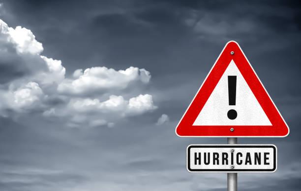 hurrikan-warnschild - warnschild stock-fotos und bilder
