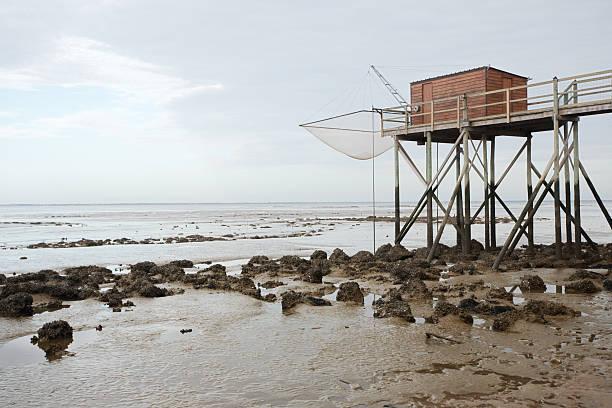 Hut en la marea baja - foto de stock