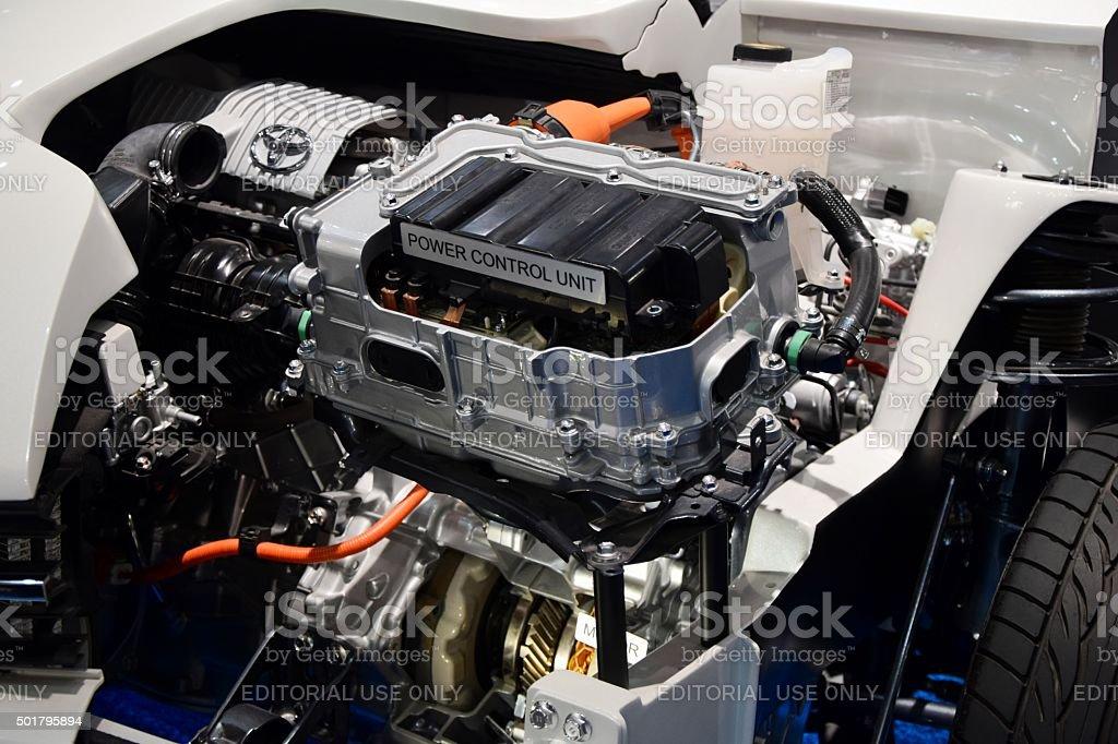 Hybrid-engine in einem Auto – Foto