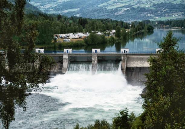hydroelectric power station - энергия воды стоковые фото и изображения