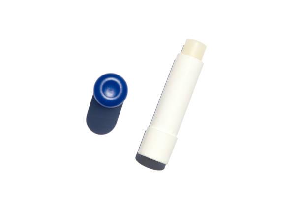 hygiene-lippenstift - labello stock-fotos und bilder