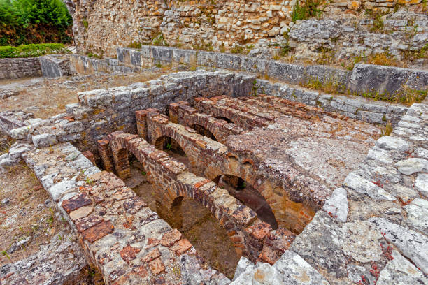 Hypocaust structure used to heat the water of the Caldarium room in the Roman Baths of the Wall. Hypocaust structure used to heat the water of the Caldarium room in the Roman Baths of the Wall. Conimbriga in Portugal, is one of the best preserved Roman cities on the west of the empire. roman baths england stock pictures, royalty-free photos & images