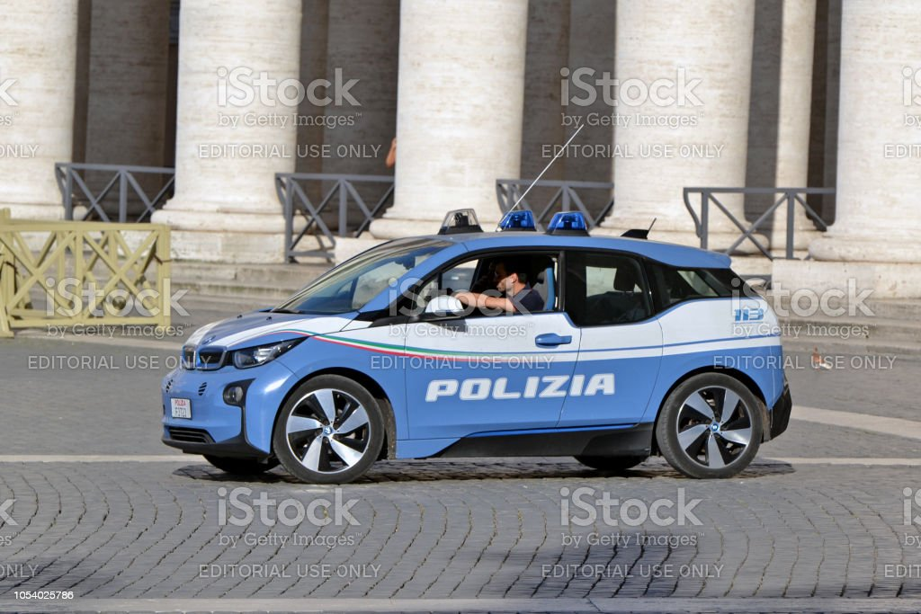 BMW i3 in Polizei-Version in Bewegung – Foto