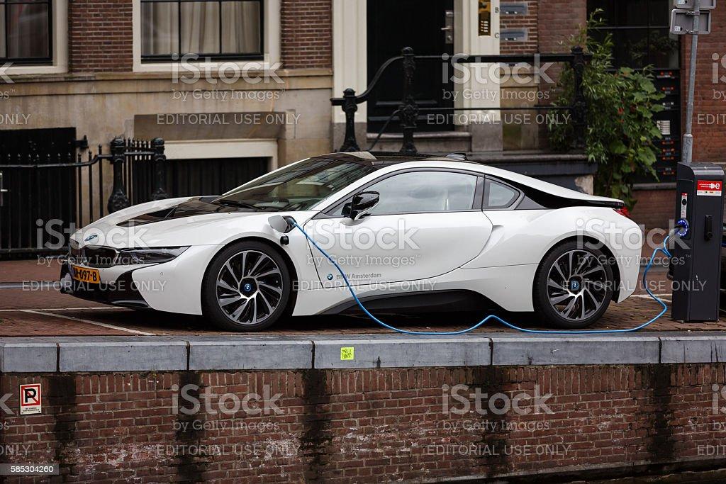BMW i8 on a street of Amsterdam - foto de stock