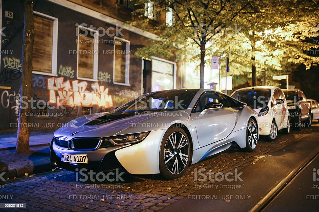 BMW i8 on the streets of Berlin - Prenzlauer Berg - foto de stock