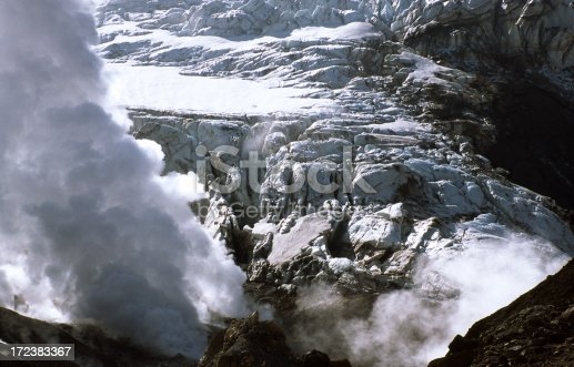 istock Ice and smoke in the Mutnovsky 172383367