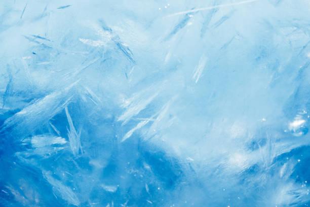 ледяной фон, синяя замороженная текстура - иней замёрзшая вода стоковые фото и изображения