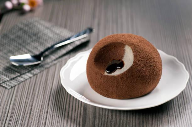 ice cream truffle of pizzo chocolate and hazelnut - foto stock