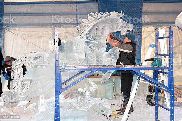 Ice sculptors at work picture id458731185?b=1&k=6&m=458731185&s=612x612&h= yyv6r0qldyefwp8ytved6xz3oftqxct5u6sqsm9kn0=