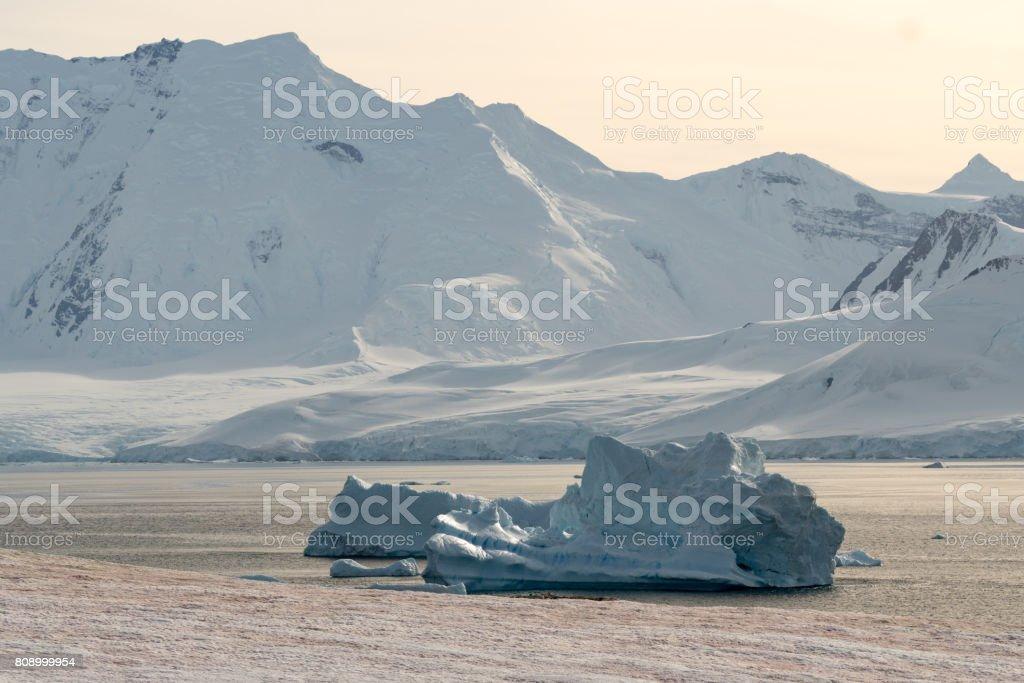 Eisberg Bay – Foto