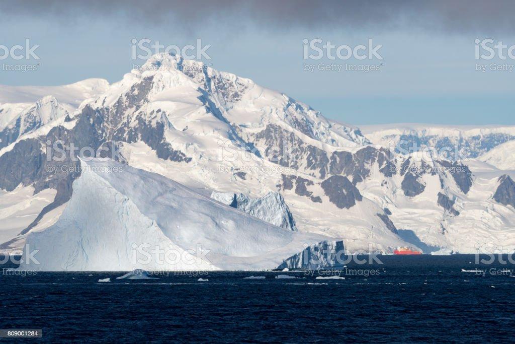 Schwimmenden Eisberg – Foto