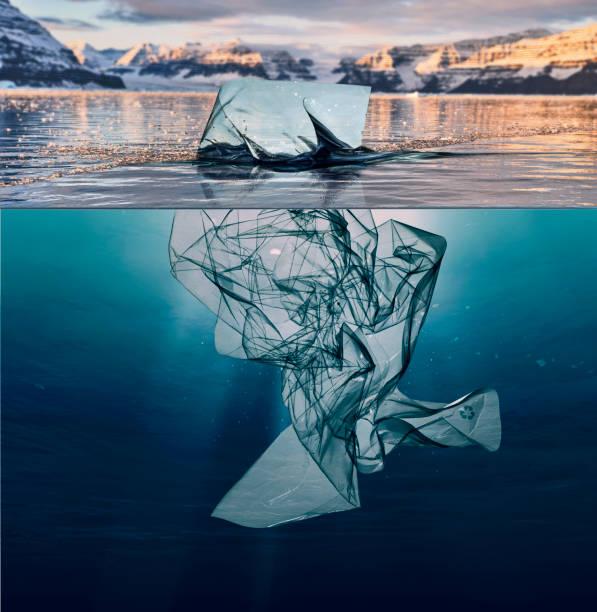 Eisberg Müll Kunststoff Schwimmen im Ozean mit Grönland zurück – Foto