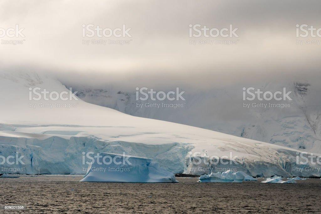 Eisberge und Licht – Foto
