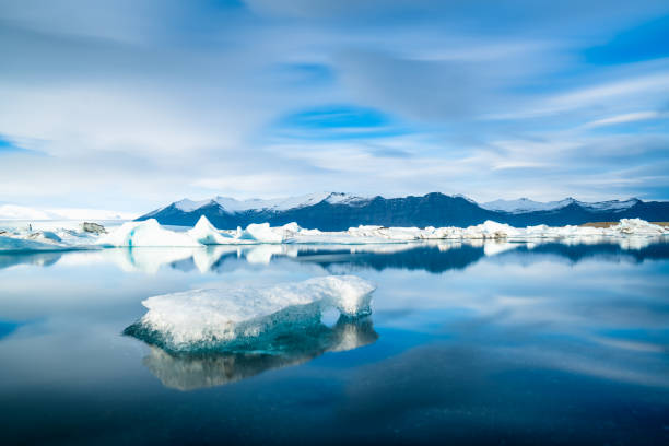 Icebergs floating on the beach Iceland Icebergs floating on the beach Iceland glacier lagoon stock pictures, royalty-free photos & images