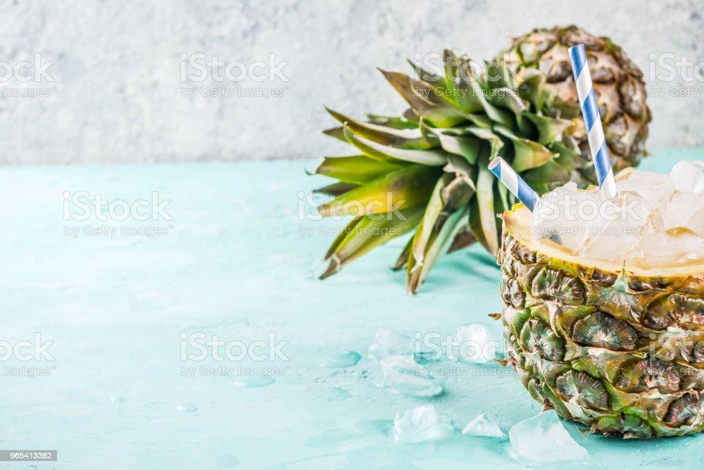 Iced pineapple cocktail zbiór zdjęć royalty-free