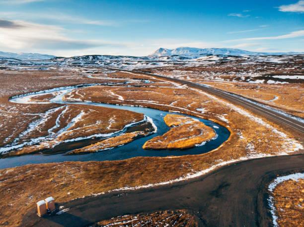 雪と雲とアイスランド撮風景 - ツンドラ ストックフォトと画像